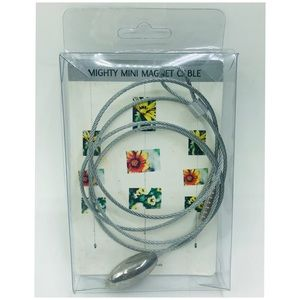 Mighty Mini Magnet Cable Photo Hanger Display